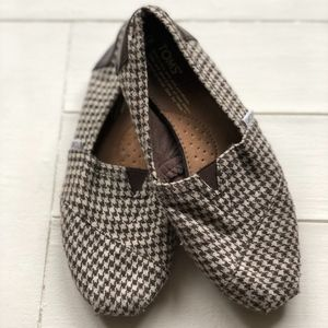 TOMS Brown and White Houndstooth Flats Size 8
